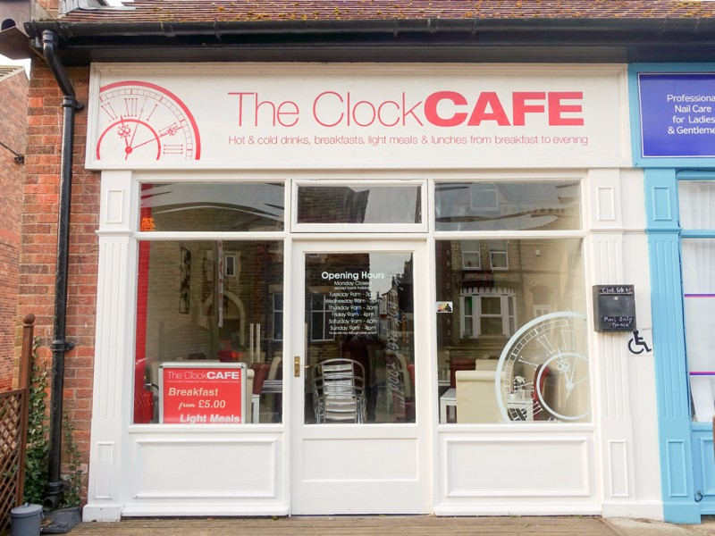 960-clock-cafe