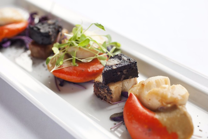 pan-fried-Flamborough-Scallops-with-belly-pork-and-black-pudding